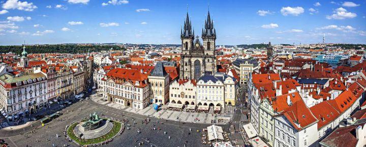 Semana Santa Praga al completo desde Bilbao